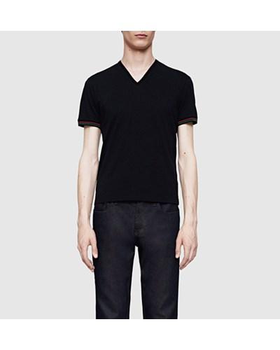 gucci herren t shirt aus schwarzes baumwolljersey mit v ausschnitt reduziert. Black Bedroom Furniture Sets. Home Design Ideas