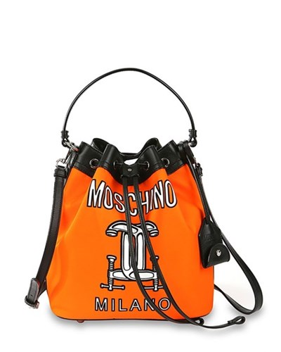 moschino beuteltasche mit druck orange. Black Bedroom Furniture Sets. Home Design Ideas