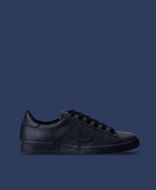 Sneaker von Armani
