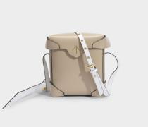 Mini Pristine Tasche aus Beige und Weißem weichen Lackleder