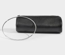 Clutch mit Handschlaufe aus schwarzem Kalbsleder