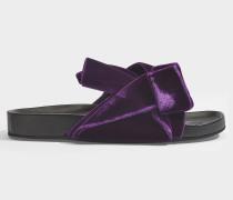 Slides mit Schleifen aus violettem Samt