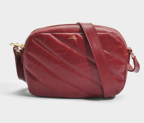 Meryl Tasche aus dunkelrotem glattem Kalbsleder
