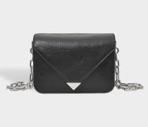 Tasche Prisma Envelope Mini Sling mit Kette aus Leder