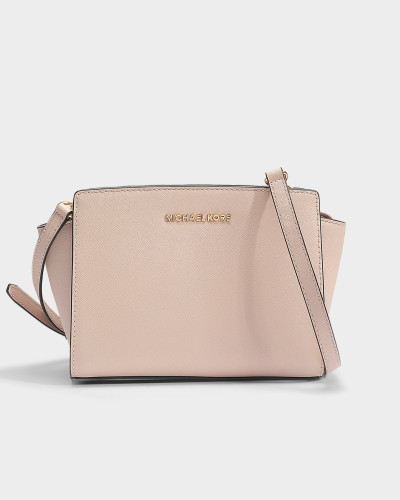 Selma Medium Messenger Tasche aus Soft rosanem Saffia Leder