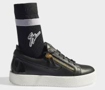 Socket Sneaker aus glattem Kalbsleder und Baumwolle in Schwarz
