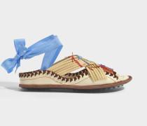 Berri Spitze Up Sandalen aus elfenbeinfarbenem Leder