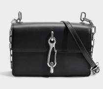 Hook Medium Crossbody Tasche aus schwarzem Kalbsleder