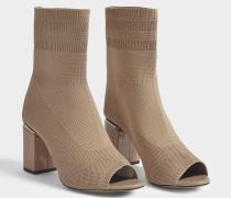 Cat Sock Booties aus Nude farbener Synthetik