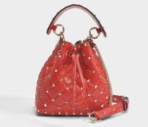 Rockstud Spike small Bucket Tasche aus Valentino rotem Nappa Leder