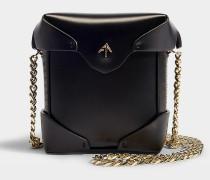 Micro Handtasche Pristine mit Kettenriemen aus pflanzlichem Kalbsleder in Schwarz