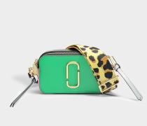 Handtasche Snapshot aus Kalbsleder mit Polyurethan Beschichtung Jadegrün und Bunt