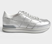 H222 Sneaker mit Laser Cut Details aus silberfarbenem Leder