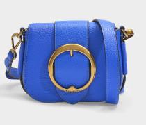 Kleine Tasche Crossbody Lennox aus kobaltblauem, genarbtem Leder