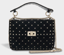 Rockstud Spike Medium Shoulder Bag aus schwarzem Samt