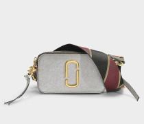 Tasche Snapshot aus Leder mit silberner Polyurethanbeschichtung
