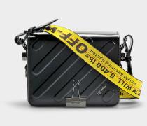 Handtasche mit Taschenklappe Diag Padded Flap aus schwarzem Kalbsleder