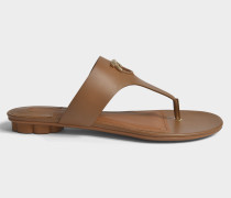 Enfola Thong Schuhe aus Medium braunem Kalbsleder