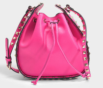 Bucket Bag Rockstud aus rosa Kalbsleder