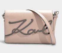Schultertasche K/Signature aus rosa Kalbsleder