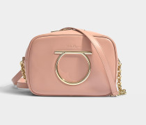 Camera Bag Gancio Vela aus rosa Kalbsleder