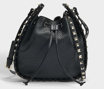 Bucket Bag Rockstud Spike aus genarbtem Kalbsleder in Schwarz