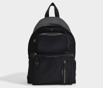 Schwarzer Nylon-Rucksack mit vielen Taschen