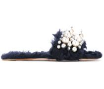 Pantoletten mit Perlen-Applikationen