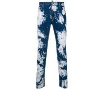 'Skater' Jeans mit Batikmuster