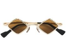 Sonnenbrille im geometrischen Design