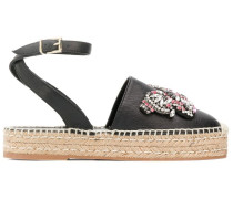 Sandalen mit verziertem Schmetterling