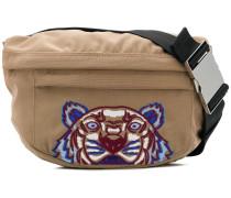 Gürteltasche mit Tiger-Stickerei