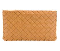 Clutch mit Intrecciato-Muster