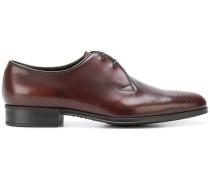 elongated toe oxfords