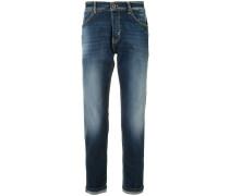 Schmal zulaufende Jeans