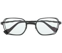 Sonnenbrille mit schnörkeligen Bügeln