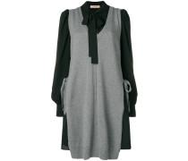 Pulloverkleid mit Schleifenkragen