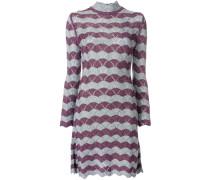 Kleid mit Wellensaum
