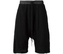 'Shifted' Shorts mit tiefem Schritt