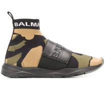 Sneakers mit Camouflage-Schild
