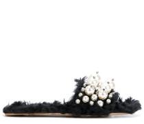 Sandalen mit Perlenstickerei