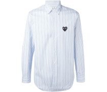 Gestreiftes Hemd mit aufgesticktem Herz