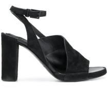10547 sandals