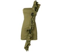 Enges Kleid mit Rüschen
