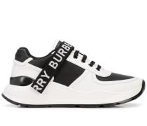 Sneakers mit Logo-Taping
