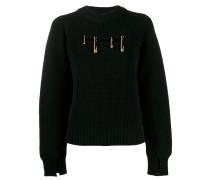 Pullover mit Sicherheitsnadeln