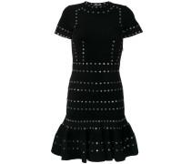 Kleid mit Ösenverzierung