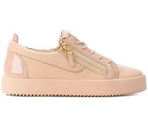 'May D' Sneakers