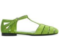 Sandalen mit T-förmigen Riemchen