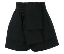 Shorts mit Knoten